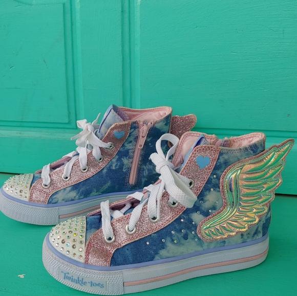Twinkle Toes Shuffles Wonder Wings